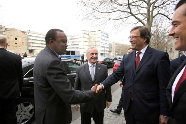 Präsident Kenyatta wird von der deutschen Industrie empfangen (v. l. n. r. Heinz-Walter Große, SAFRI-Vorsitzender; Stefan Mair, BDI; Volker Treier, DIHK)