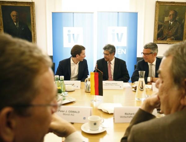 Der österreichische Bundesminister Sebastian Kurz, IV-Vizepräsident Wolfgang Hesoun und BDI-Präsident Ulrich Grillo