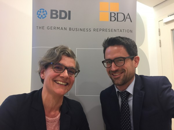 Séverine Féraud und Wolfgang Eichert, Referenten der BDI/BDA The German Business Representation