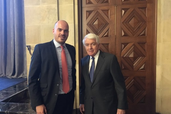 Daniel Andrich (RGIT) mit Tom J. Donohue (CEO of the United States Chamber of Commerce) v. l.